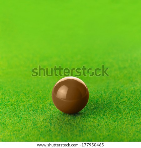 Brown snooker ball