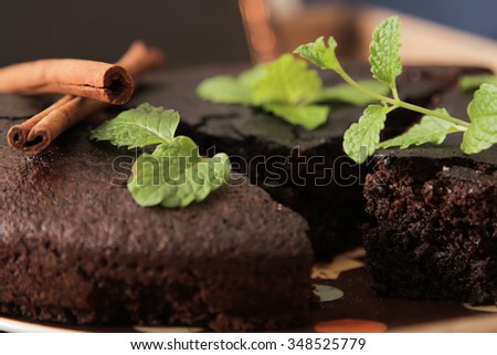 brownie with mint delicious dessert for the whole family.