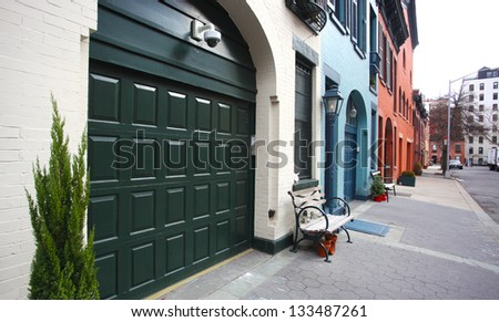 Brownstone Brooklyn Series/Brooklyn Heights, King's County's oldest, most historic & affluent neighborhood. Gentrified carriage houses on College Lane. - stock photo