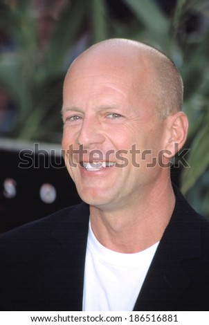 Bruce Willis at premiere of SIGNS, NY 7/29/2002 - stock photo