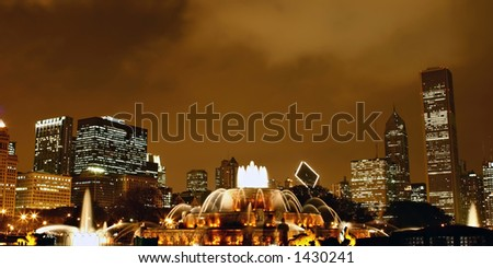 Buckingham Memorial Fountain in Grant Park, Chicago at Night