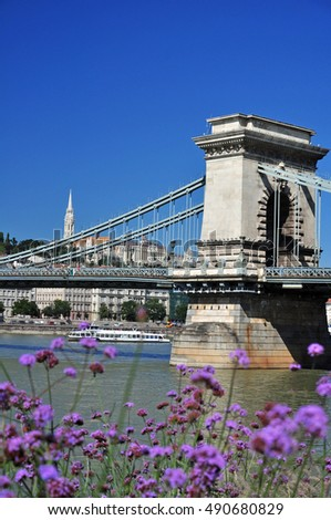 Budapest architecture, Chain Bridge