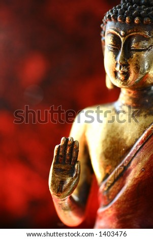 Buddha statue with very shallow DOF.