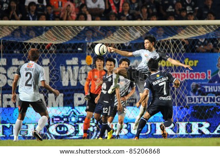 BURIRAM THAILAND-SEPT 21: Suttinun Phukhom of Chonburi in action during Toyota League Cup between Buriram PEA(B) and Chonburi Fc(G) at I-mobile Stadium on September 21, 2011 in Buriram, Thailand