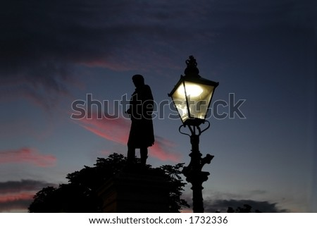 Burns monument at sunset in Aberdeen