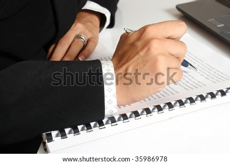 business woman sign a contract