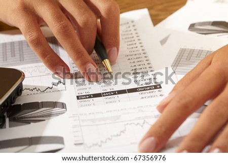 businessman hand with pen