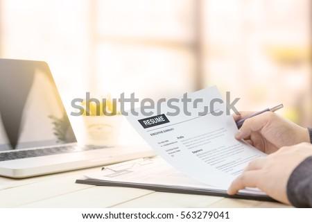 Resume Lizenzfreie Bilder und Vektorgrafiken kaufen  Bilddatenbank     The Huffington Post Memes        and Mine  Man To Hand Deliver His resume Disguised As
