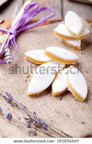 Calisson stock photos royalty free images vectors shutterstock for Decoration rocaille aixen provence