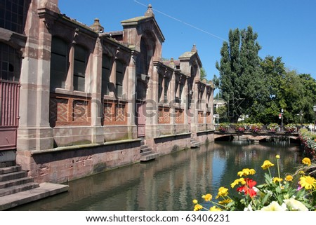 Canal-side Building in Colmar