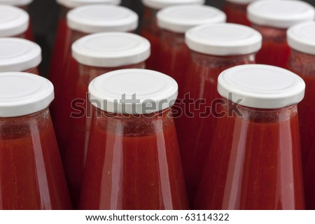 Canned tomato sauce bottle