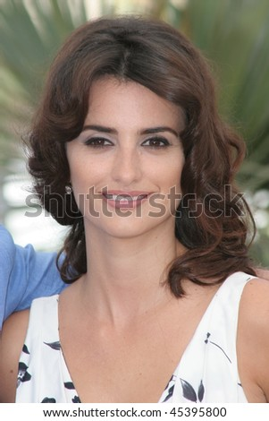 CANNES, FRANCE - MAY 19: Actress Penelope Cruz attends a photocall promoting the film 'Volver' at the Palais during the 59th International Cannes Film Festival May 19, 2006 in Cannes, France - stock photo