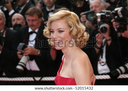 CANNES, FRANCE - MAY 13: Elisabeth Banks attends the premiere of 'Up' at the Palais De Festival during the 62nd International Cannes Film Festival on May 13, 2009 in Cannes, France.