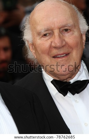 CANNES, FRANCE - MAY 13: Michel Piccoli  arrives at the 'Habemus Papam' premiere during the 64th Annual Cannes Film Festival at the Palais des Festivals on May 13, 2011 in Cannes, France