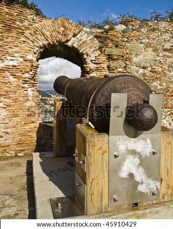 Cannon in a fortress (Italy)