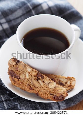 cantuccini cookies and coffee