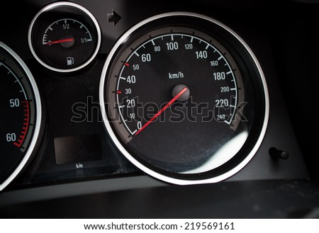 car speed meter rapprochement - at zero