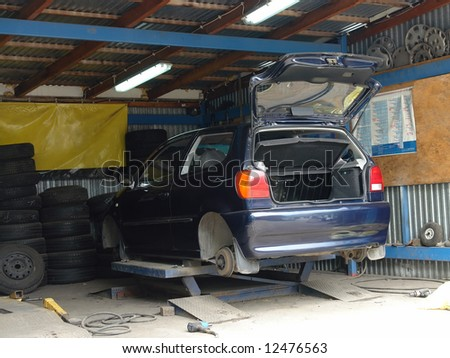 Car tires being changed at the car service shop