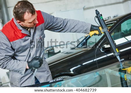 car windshield or windscreen replacement