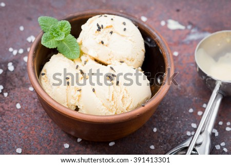 caramel ice cream with mint, black sesame seeds and sea salt