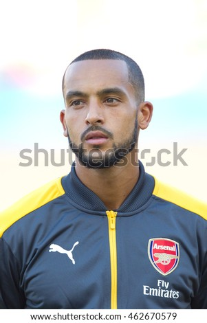 CARSON, CA - JULY 31: Arsenal F Theo Walcott #14 during the friendly soccer game between Chivas Guadalajara and Arsenal on July 31st 2016 at the StubHub Center.