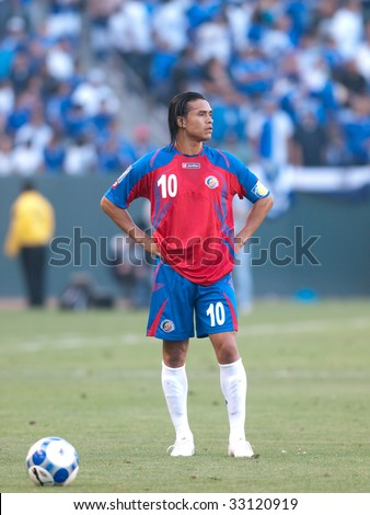 CARSON, CA. - JULY 3: Concacaf Gold Cup soccer match, Costa Rica vs. El Salvador at the Home Depot center in Carson. Walter Centeno waiting for play to resume on July 3, 2009.