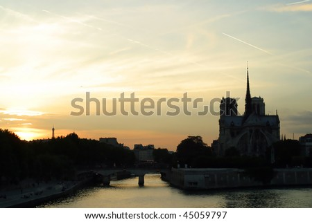 Cathedrale De Notre Dame De Paris at sunset.