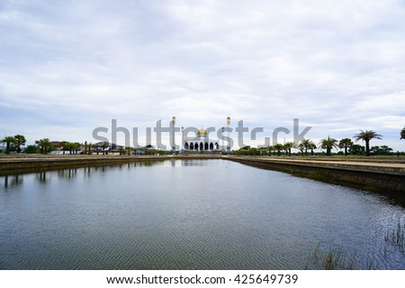 Central Mosque Songkhla, Thailand with blue sky background on nice day:select focus with shallow depth of field.