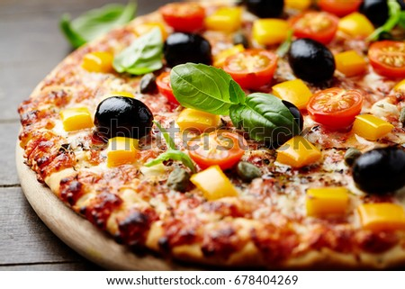 Cheese pizza with olives