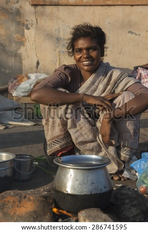 CHENNAI/INDIA 27TH JANUARY 2007 - Beautiful young street woman in Chennai, India - stock photo