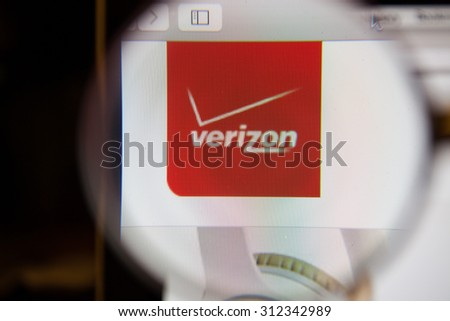 CHIANGMAI, THAILAND - September 1, 2015:Photo of Verizon homepage on a monitor screen through a magnifying glass.