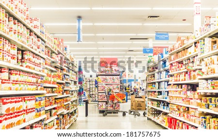 Chicago, IL March 4: A supermarket selling fresh grocery and frozen items in Chicago on March 4th, 2014. Consumption of fresh produce is on the rise due to growing health awareness - stock photo