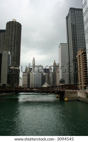 Chicago skyline and Chicago river