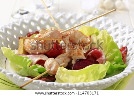 Chicken satay with ham and lettuce