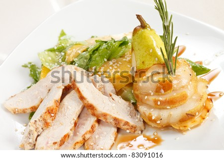 chicken with fruits