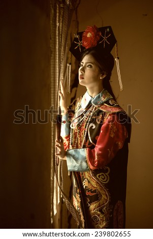 Chinese girl in traditional Chinese - stock photo