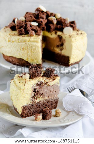 Chocolate cake with vanilla mousse