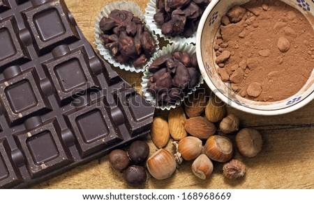 chocolate with ingredients - cioccolato e ingredienti