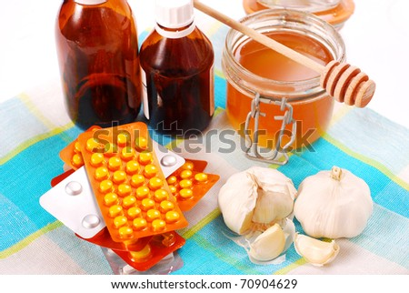 choice between traditional medicines and the natural medicine - stock photo