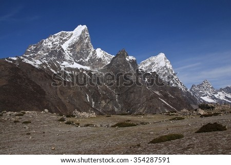 Cholatse and other high mountains in Nepal
