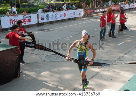 CHONBURI, THAILAND-OCTOBER 17, 2015 : Unidentified triathlon competition in Pattaya Triathlon ,Thailand Tri-League Tour Series 2015 on Pattaya beach, Chonburi Province in Eastern of Thailand.
