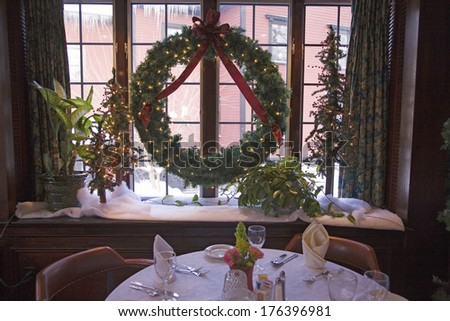 Christmas dining at Concord's Colonial Inn, Ma., New England, USA, established 1717 - stock photo