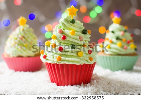 Christmas tree cupcakes with colored lights