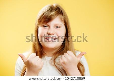 Fat redhead thumbs