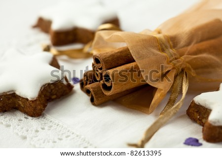Cinnamon sticks and cinnamon stars