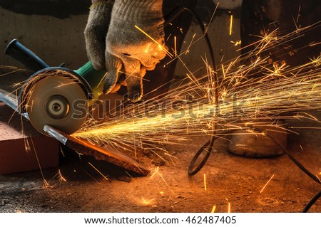 Circular saw with sparks