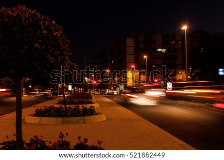 Circulation in the streets at night in Cordoba