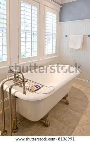 Clawfoot Tub Stock Images, Royalty-Free Images & Vectors ...
