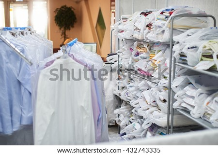 Clean clothing Packed in plastic bags on the shelves and weighs on hangers