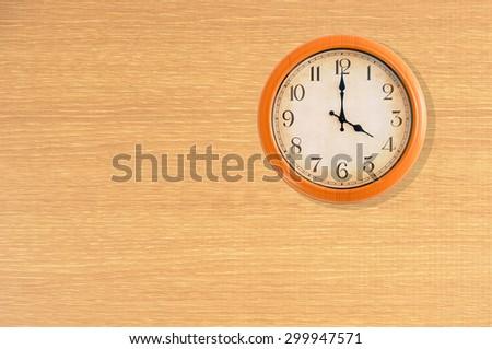 Clock Showing 10 O'clock Clock Showing 4 O'clock on a